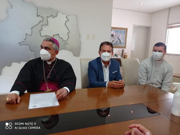 137248681 729747344590027 5016952324863082624 n - Deputado Tião Gomes participa de reunião com governador e bispo diocesano de Guarabira para tratar sobre novas obras