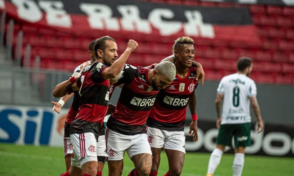 50861245267 497903d263 k 1024x613 - Flamengo vence Palmeiras e segue na luta pelo título