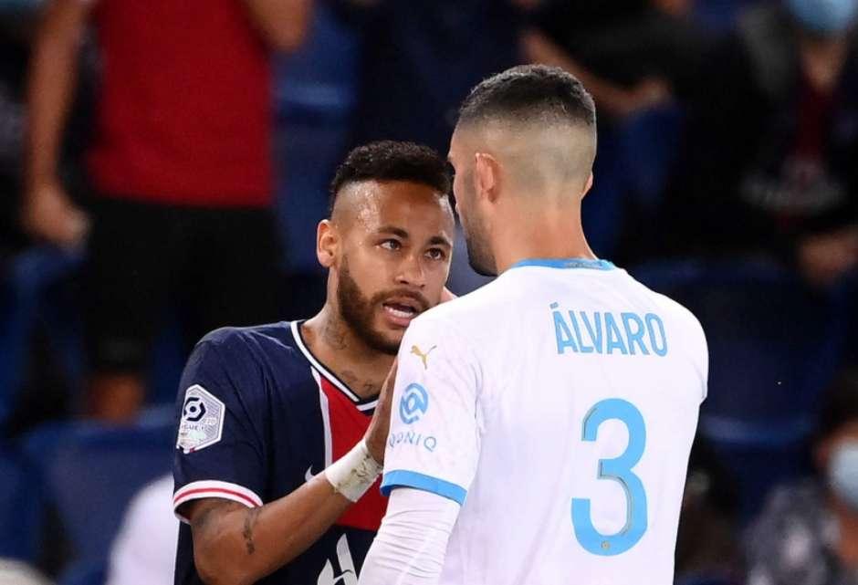5fff717c63805 - Após conquistar Supercopa, Neymar provoca zagueiro que o ofendeu em caso de racismo