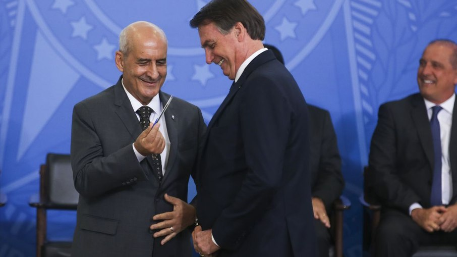 6rq0ewy2l8m9f1vw0xiomltkw - Interferência de Bolsonaro e general Ramos sela favoritismo de Arthur Lira