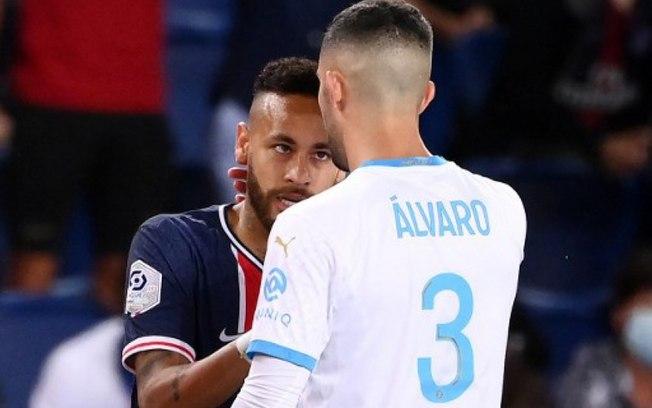 88g2iynexuejckb33duwp2gsy - Final entre PSG e Olympique marca reencontro de Neymar com acusado de racismo