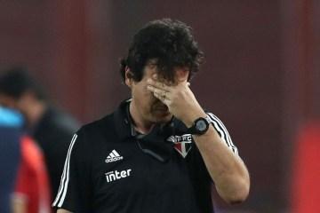 'VEXAME!': Diniz é criticado após derrota do São Paulo