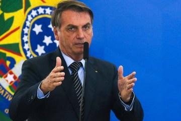 Bolsonaro ABr - COVID-19: 45% acham que Bolsonaro age certo sobre vacinas, diz PoderData/BAND