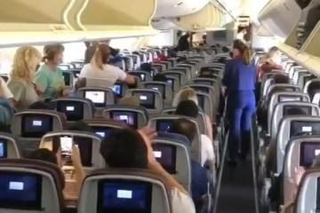 Capturar.JPGwwwww - João Campos pública vídeo do voo com vacinas para a região nordeste e passageiros aplaudem; ASSISTA