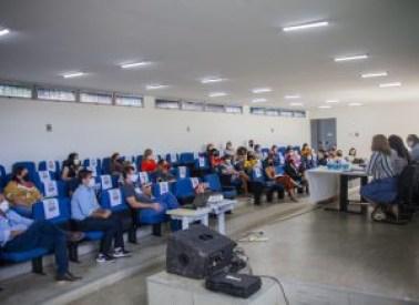 REUNIAO SEDEC NIARANJAN DO O 260121 6 300x218 1 - Secretaria de Educação divulga estratégia para começo das aulas dia 8