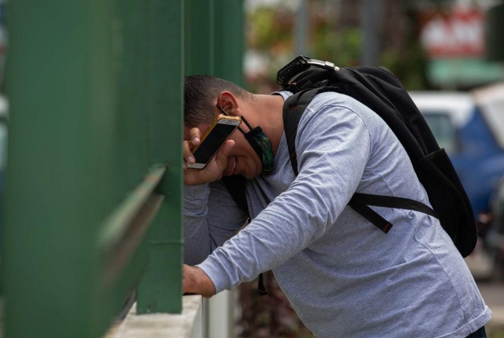 ROW37KNNKIHTY6HWQZRP57QVZU 1024x687 - Morrer sem oxigênio em Manaus, a tragédia que escancara a negligência política na pandemia - Por Steffanie Schimidt