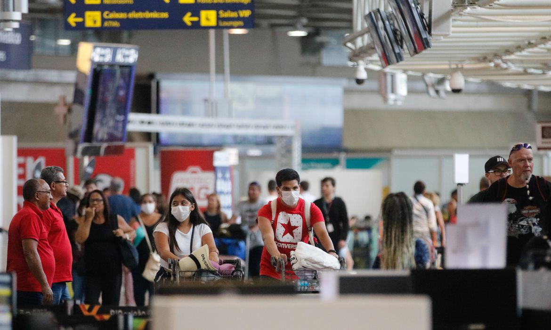 aeroportos br 2 - Brasil proíbe entrada de passageiros vindos da África do Sul, tentando impedir propagação de variante da Covid-19