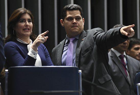 alcolumbre e tebet e1611831298760 - Alcolumbre abre mão de vice-presidência do Senado por acordo com MDB - ENTENDA