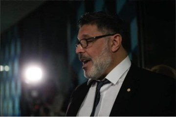 """Candidato à presidência da Câmara, Alexandre Frota promete pautar impeachment de Bolsonaro no """"primeiro minuto"""""""