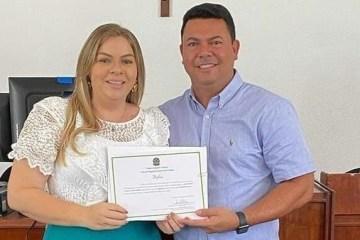NEPOTISMO: prefeita de Cruz do Espírito Santo, Aliny Povão, nomeia esposo, irmã e família do ex-prefeito para compor secretariado – VEJA A LISTA