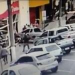 banco - Mulher é atropelada na calçada e carro invade agência bancária em Santa Catarina