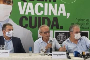 PMJP inicia imunização contra covid-19; técnica em enfermagem e auxiliar de serviços gerais foram os primeiros