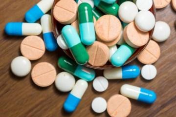 comprimidos - 'TRATAMENTO PRECOCE': Infectologista relata complicações em pacientes por uso de medicamentos contra a Covid-19