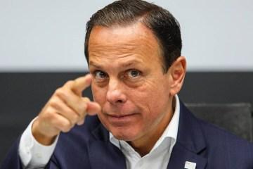"""Carlos Bolsonaro atribui o aumento da inflação à Doria e o governador rebate: """"Vive de rachadinha"""""""