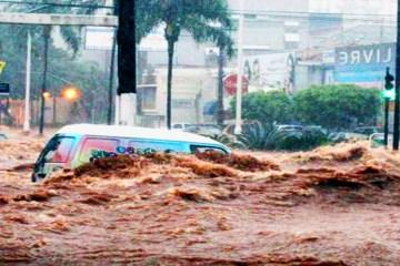 enxurrada sc - Vídeo mostra força da água durante enxurrada em Santa Catarina e impressiona