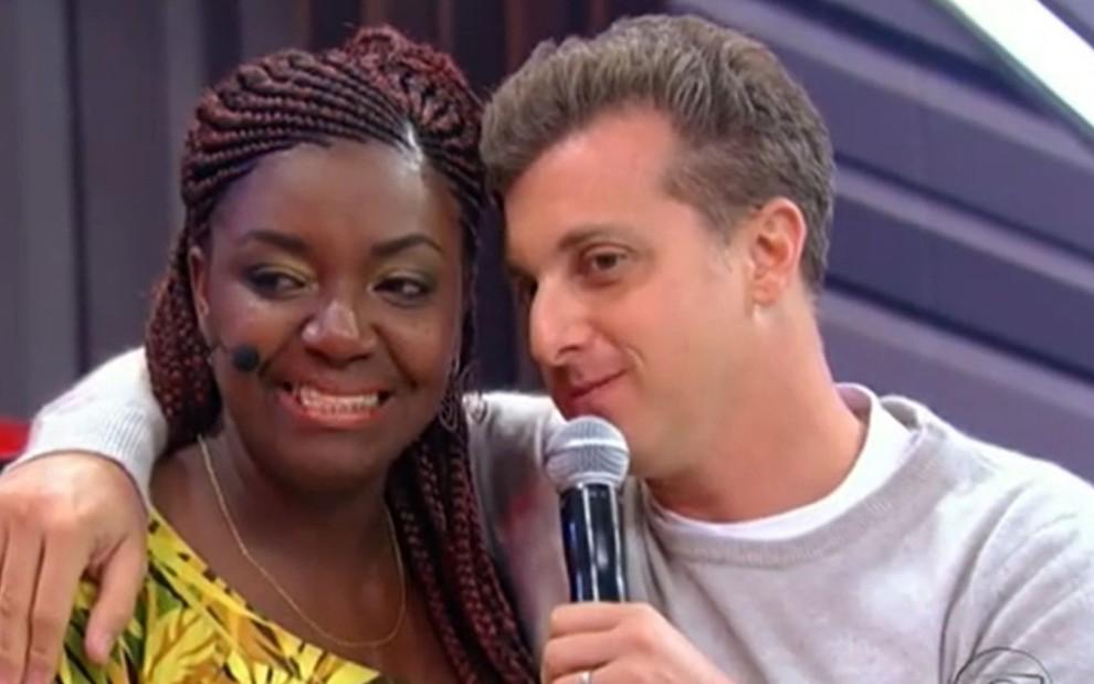 Justiça condena Tv Globo a indenizar manicure que ganhou prêmios no Caldeirão do Huck