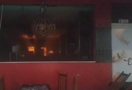Incêndio em restaurante oriental deixa duas pessoas feridas no bairro do Geisel