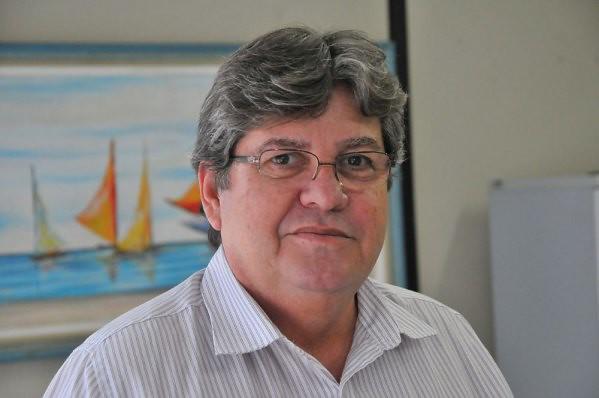 joao azevedo - COVID-19: importação de vacinas da Índia é 'passo importante' para imunização do Brasil, diz João