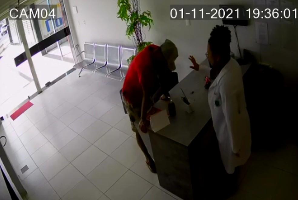 laboratorio - Em Campina Grande: assaltante pede oração a vítima após roubar celular - VEJA VÍDEO