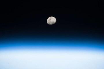 CALENDÁRIO CELESTE: lua e planetas se alinham no céu da Paraíba