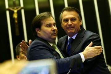 Maia diz a aliados que futuro político de Bolsonaro estará nas mãos de sucessor