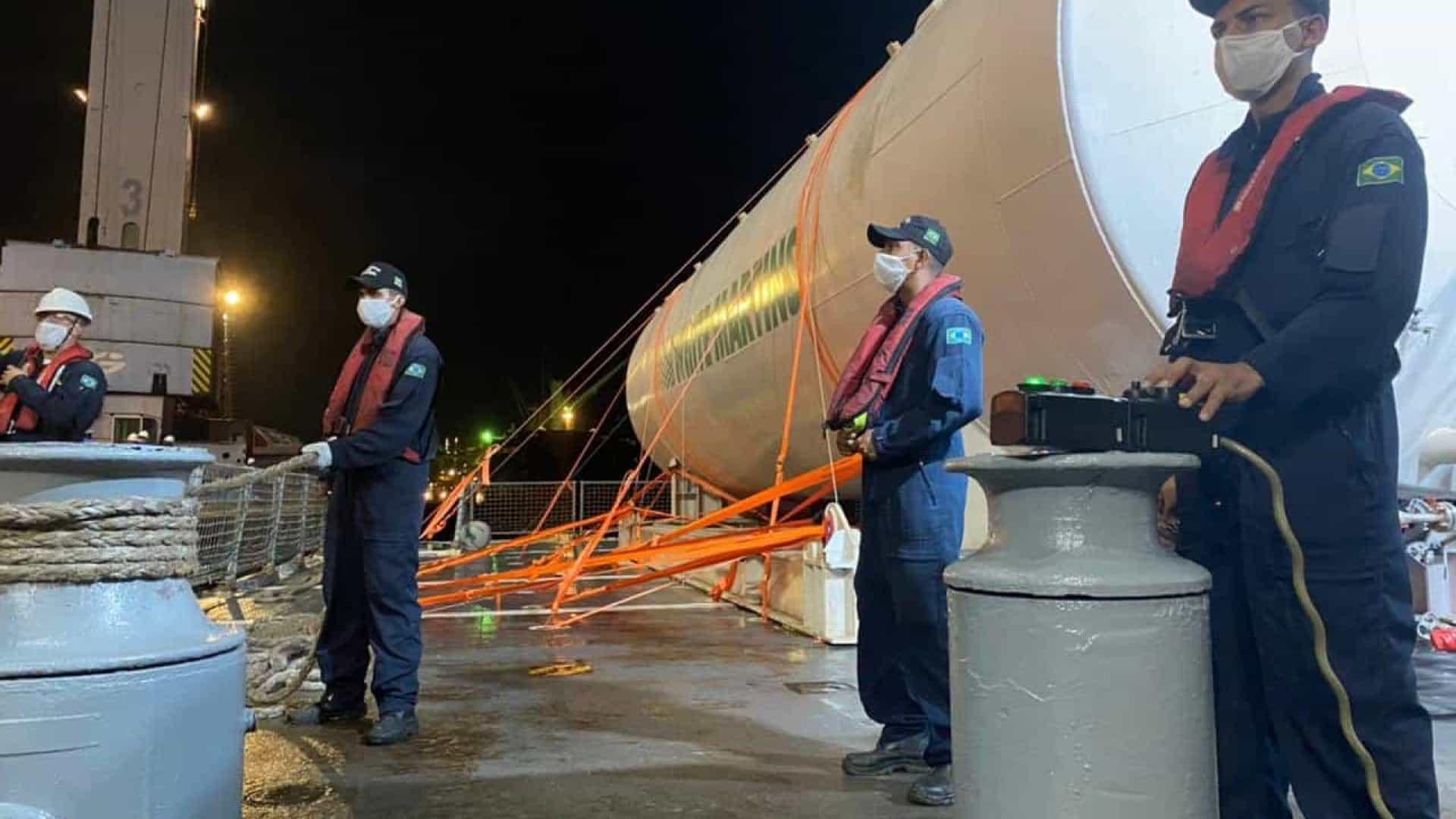 naom 6011d8cc23a88 - OPERAÇÃO COVID-19: Navio da Marinha leva oxigênio a hospitais de Manaus