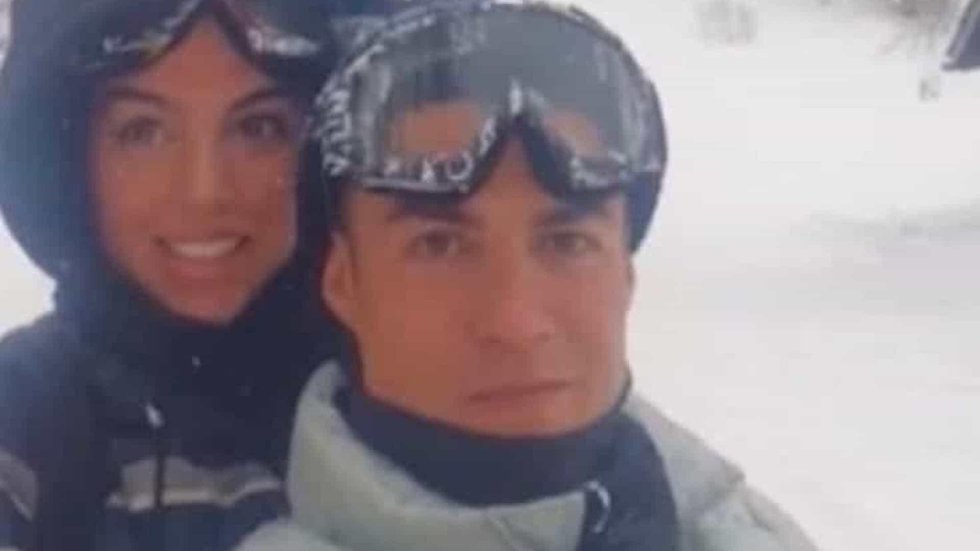 naom 6012f43ff3551 - Cristiano Ronaldo viaja com esposa e pode ser multado por quebrar o isolamento
