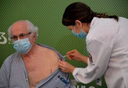 Médico Almir Ferreira, de 79 anos, é o primeiro paraibano a tomar vacina contra a Covid-19