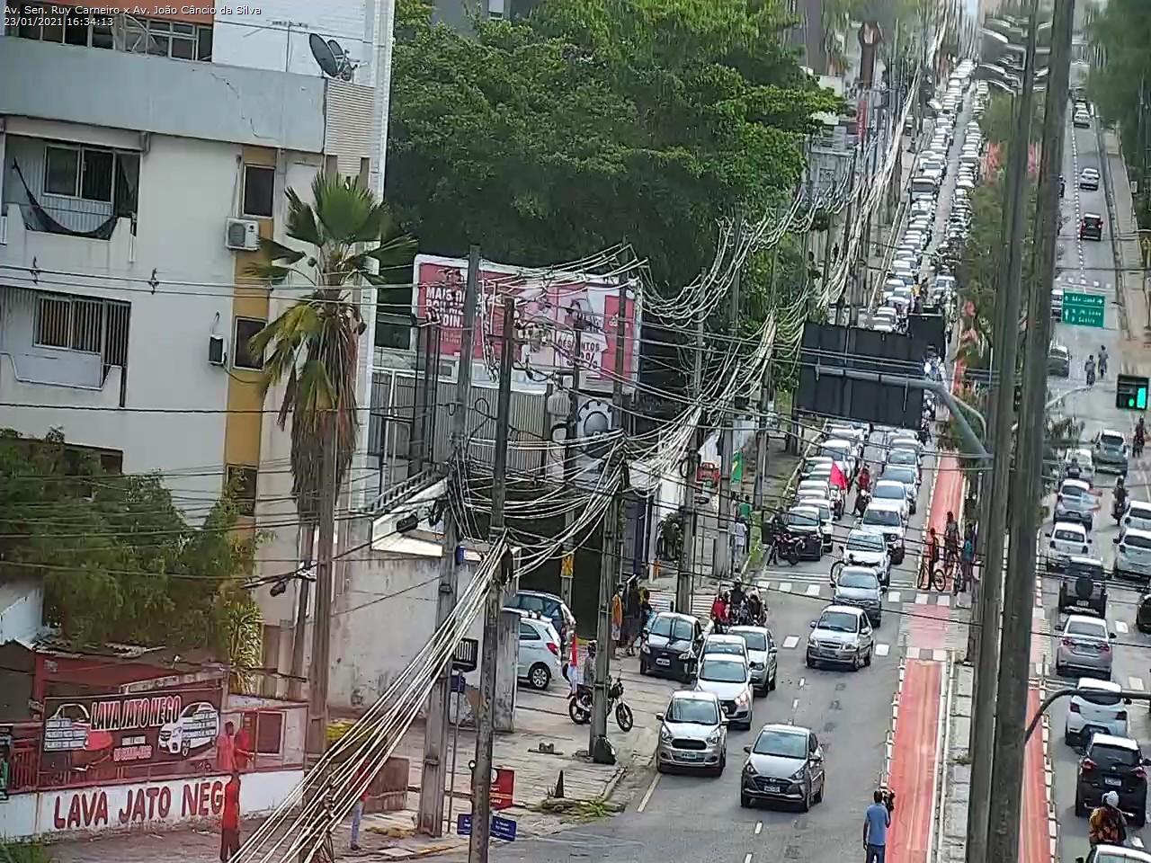 protesto 5 - Manifestantes pedem impeachment de Bolsonaro em João Pessoa - VEJA IMAGENS E VÍDEOS