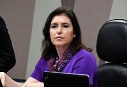 """Candidata independente no Senado, Simone Tebet defende Bolsonaro e se diz contra impeachment: """"Não é hora de trazer problemas ao país"""""""