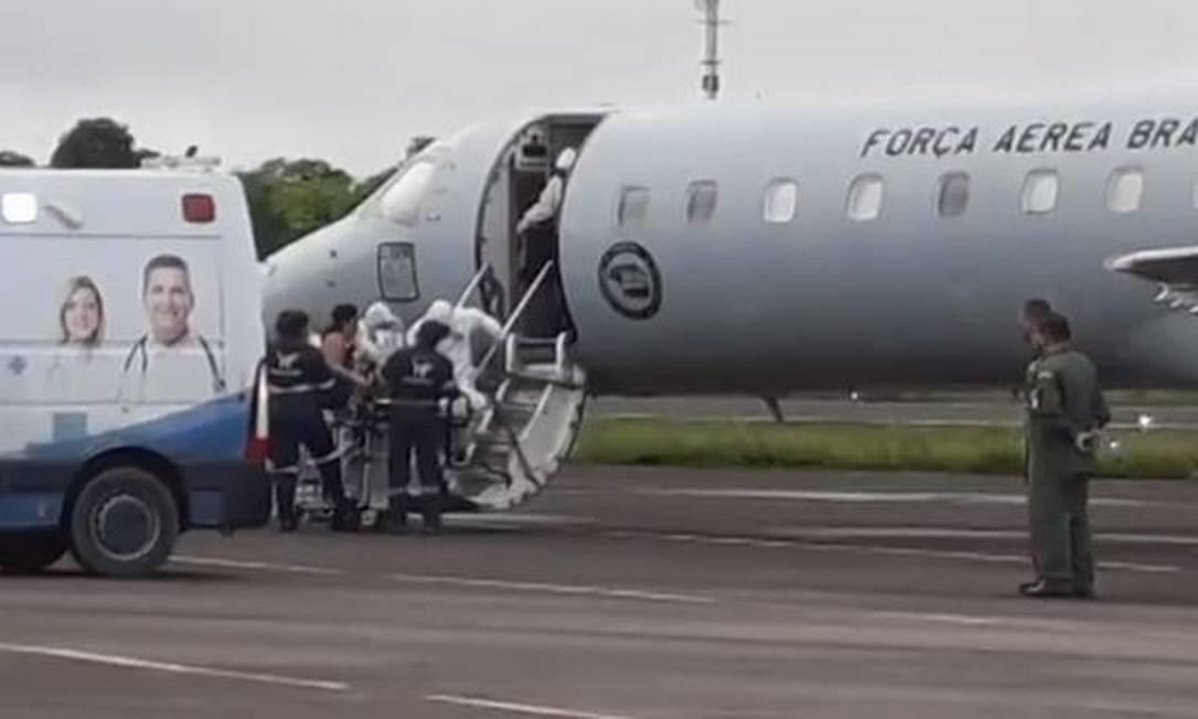 xFAB.JPG.pagespeed.ic .DbLkUiDV4d - Voo com pacientes de Manaus para João Pessoa é adiado após pane em avião, diz secretário