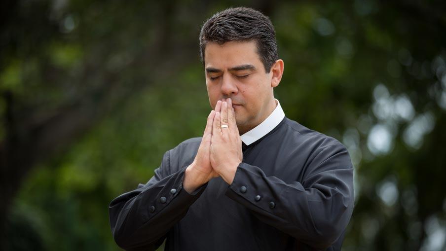 1500905 478195 1 - Áudios comprometem padre Robson com suposto pagamento de propina