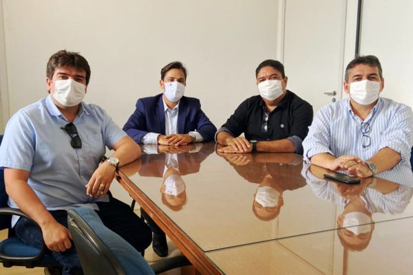 1ceb0282 c3ac 4a90 b317 35f03a5c4b23 1 600x400 1 - Semob e Sedurb recebem demandas para melhorias no bairro de Mangabeira e Ponta do Seixas