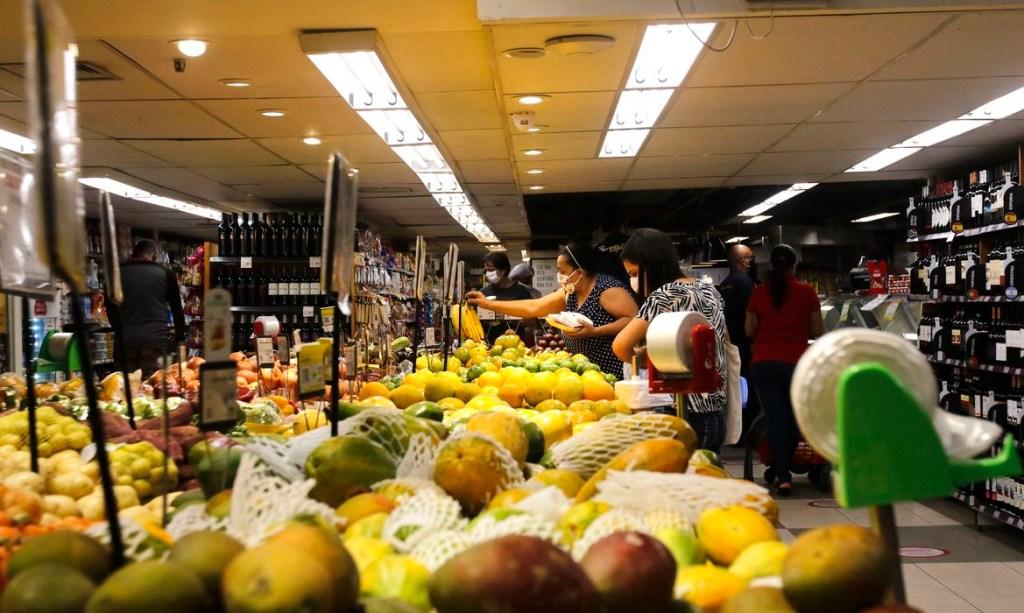 20.05.2020.supermercado rio de janeiro 0520203151 1024x613 - Inflação para famílias com renda mais baixa fica em 0,15% em janeiro