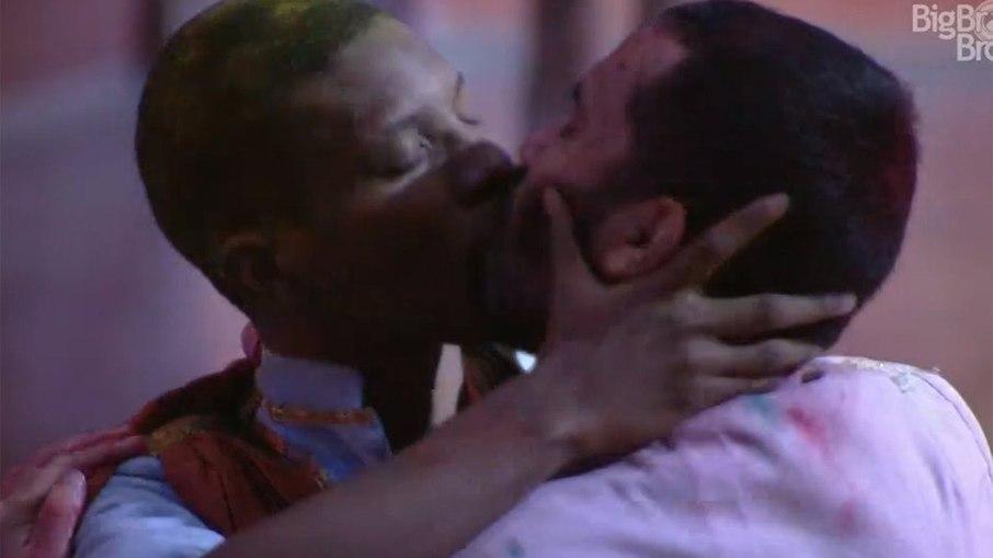 3hbc701lv84je6ko5b0yrt0c2 - GRITO DE SOCORRO! O sofrimento de Lucas dentro do BBB e a luta dos LGBTQIA+ por um mundo com mais empatia - Por Suedna Lima