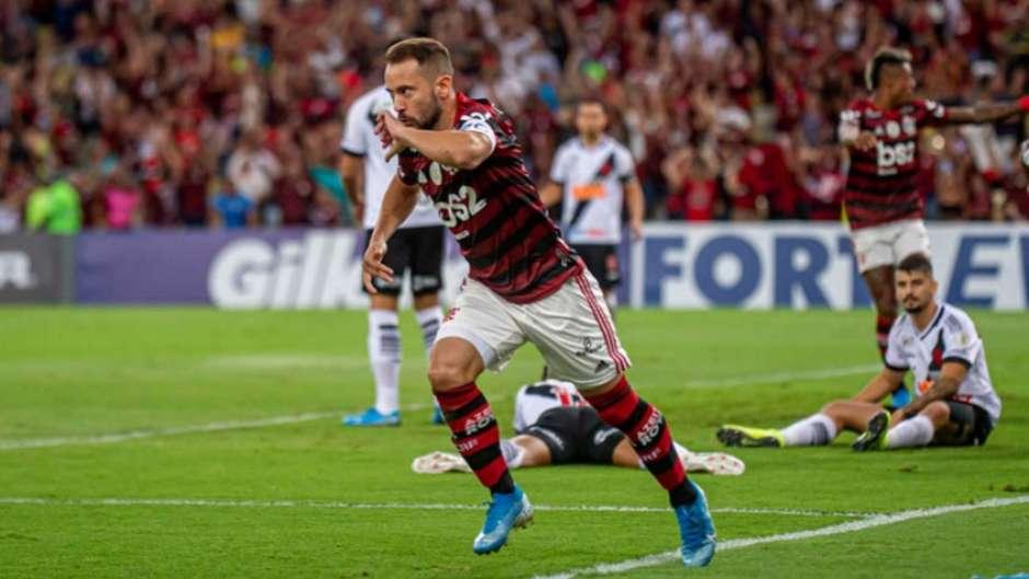 5dcca531132a5 1 - Clássico dos Milhões: veja o que está em jogo para o Flamengo contra o Vasco