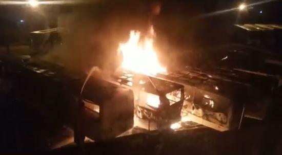 Capturar 14 - Incêndio destrói seis ônibus da empresa São Jorge em João Pessoa - VEJA VÍDEO