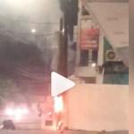 Capturar 48 - Princípio de incêndio atinge poste em frente de farmácia no bairro dos Bancários - VEJA VÍDEO