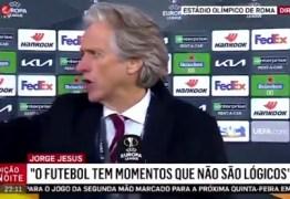 Treinador Jorge Jesus dá bronca em inglês e vídeo faz sucesso: 'Teikirize'