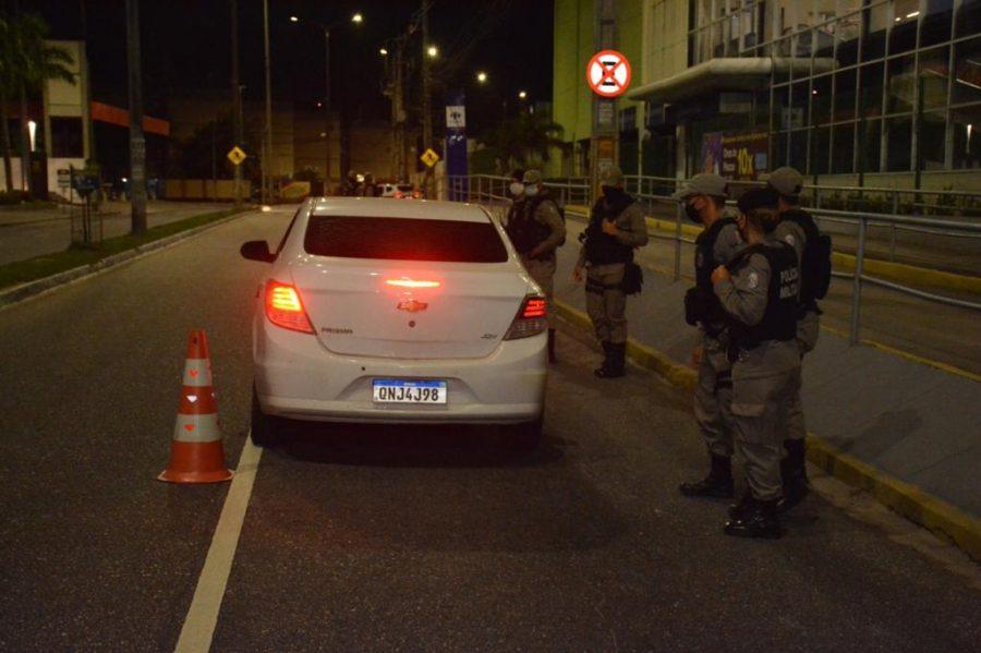 JP toque de recolher 3 900x599 1 - Polícia Militar prende mais de dez pessoas por descumprirem toque de recolher na Capital e no Sertão