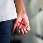Mulheres poderam denunciar violência com a marca de um X nas mãos 5 600x400 1 - CÁRCERE PRIVADO: Mulher desenha X na palma da mão em supermercado e marido é preso em flagrante