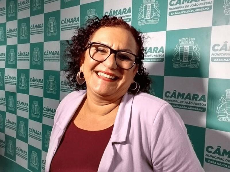 """Sandra Marrocos - Em nota de esclarecimento, Sandra Marrocos nega que sua família tem """"qualquer ligação"""" com a morte de João Carnaúba"""