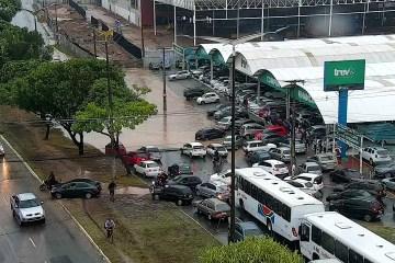 ATENÇÃO MOTORISTA: Confira os pontos de alagamento em João Pessoa neste momento