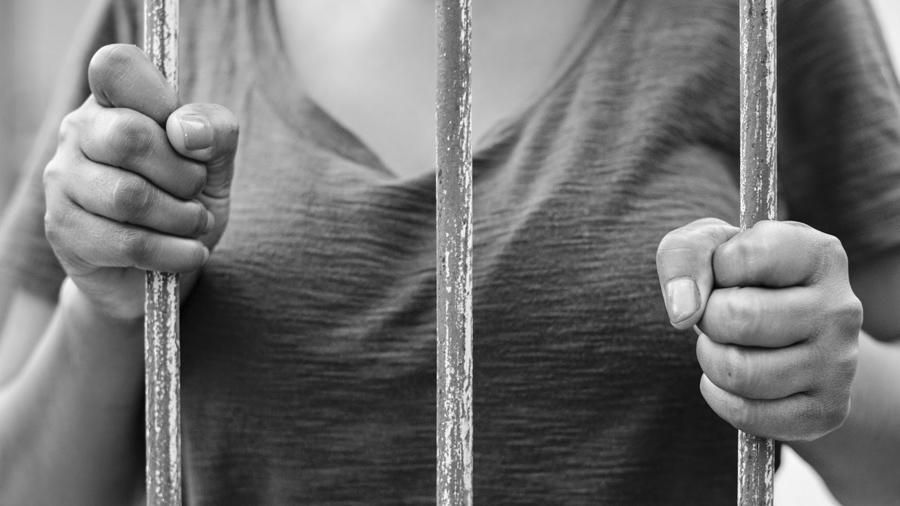 as maiores vitimas da politica contra drogas sao as mulheres - SOFRIMENTO DE QUEM PASSA FOME! Mulher é presa na Paraíba após furtar um pedaço de queijo para comer