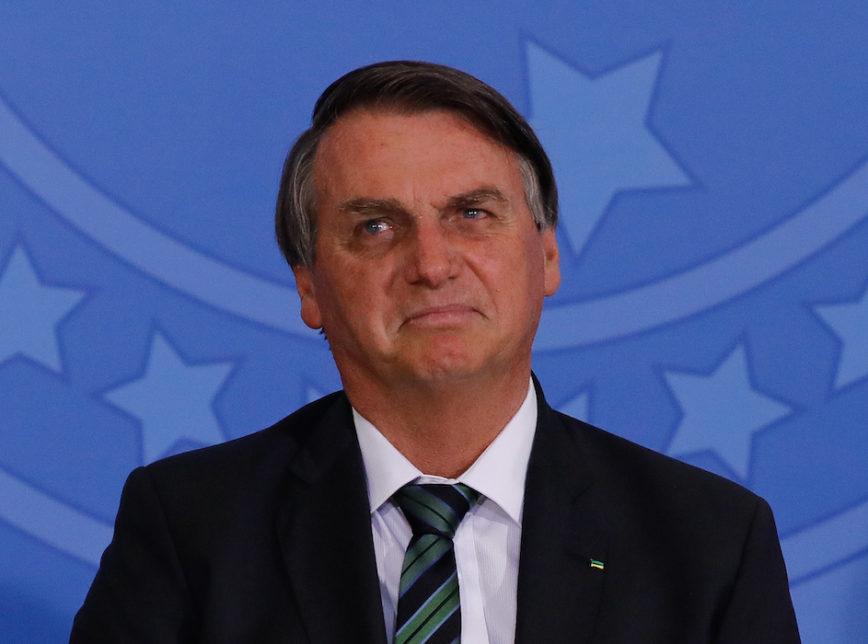 bolsonaro 3 868x644 1 - 'Estão na contramão do que o povo quer' diz Bolsonaro criticando governadores que determinaram lockdown