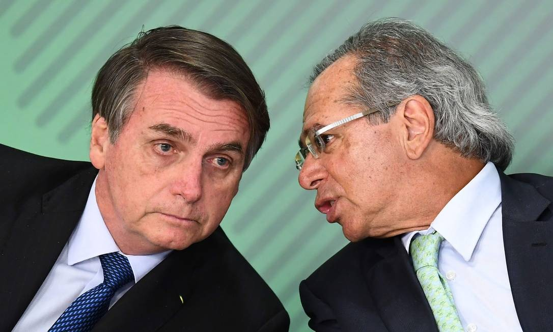 bolsonaro e guedes - Aliados do Governo querem discutir critérios para pagamento de novo auxílio emergencial