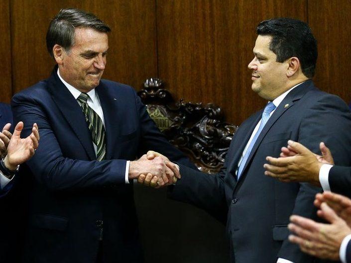 bozo e alcoolubre e1612350813897 - Acordos entregam comissões mais importantes do Congresso a aliados de Bolsonaro