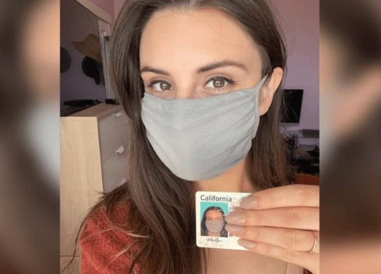 carteira - Jovem recebe carteira de motorista com foto de máscara e vira piada