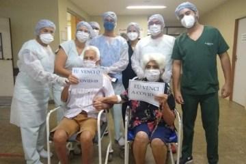 Casal de idosos vencem a covid-19 e recebem alta juntos, no Hospital Regional de Cajazeiras