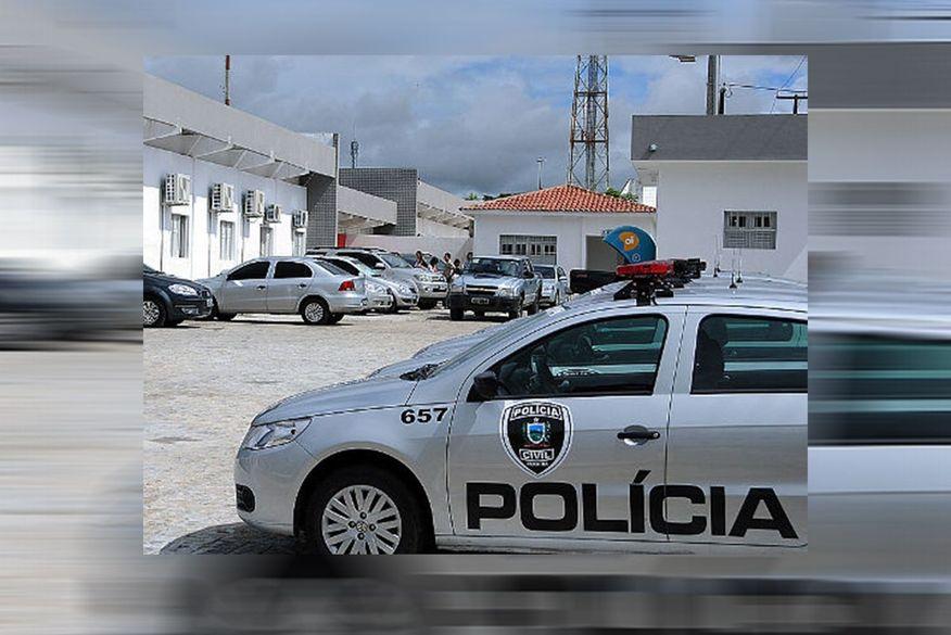 central de policia de cg - Suspeito de roubar e ameaçar mulher é preso por policial à paisana, em Campina Grande